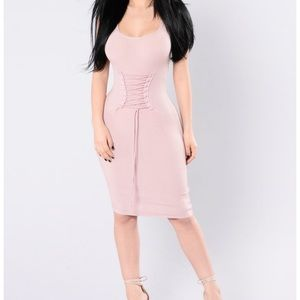 Dresses & Skirts - Ribbed mauve dress in size large